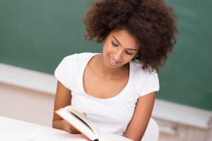 Por que não esperar o próximo semestre para começar a estudar inglês?