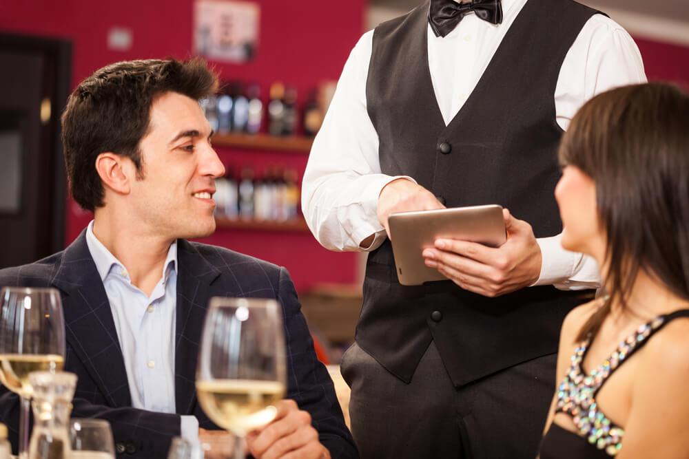 conheca-5-frases-e-expressoes-para-falar-em-ingles-no-restaurante.jpeg